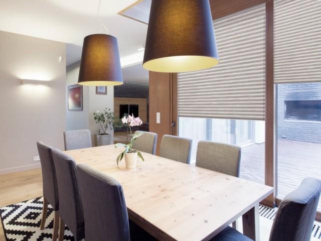 Skládané rolety plisé v oblíbených béžových tónech - zastíní s elegancí a skvěle regulují teplotu v místnosti