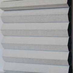 Textilie pro plisé rolety - Blackout Alu 0301 / kolekce dvojvrstvého PLISÉ Honeycomb, připomínající včelí plástve