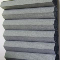 Textilie pro plisé rolety - Blackout Alu 0308 / kolekce dvojvrstvého PLISÉ Honeycomb, připomínající včelí plástve